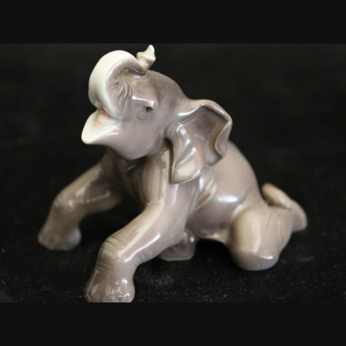 Allach Porcelain #4 Colored Elephant # 3257
