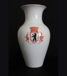 KPM 1940's Berlin Bear Vase