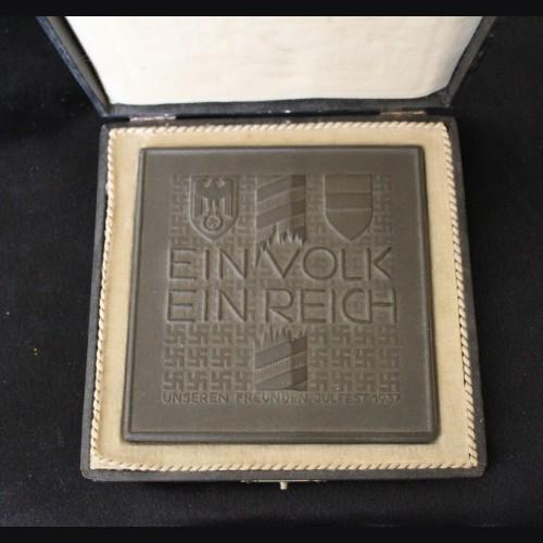 Allach Porcelain- Ein Volk Ein Reich Austrian Annexation Medal for 1937 ( Boxed) # 3363