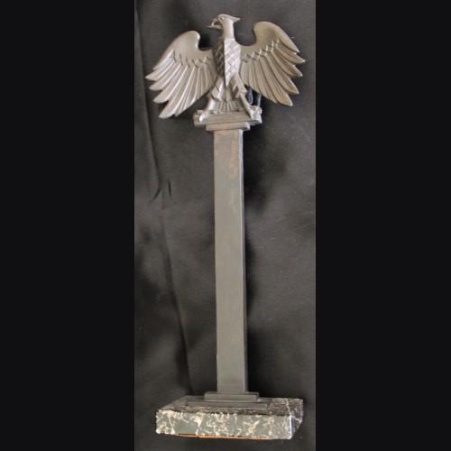 Standing Prussian Pillar Bird in Bronze (Roland Paris)