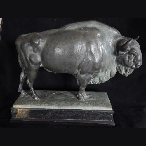 Wisentier (European Buffalo) Bronze sculpture- Albert Kraemer # 3277