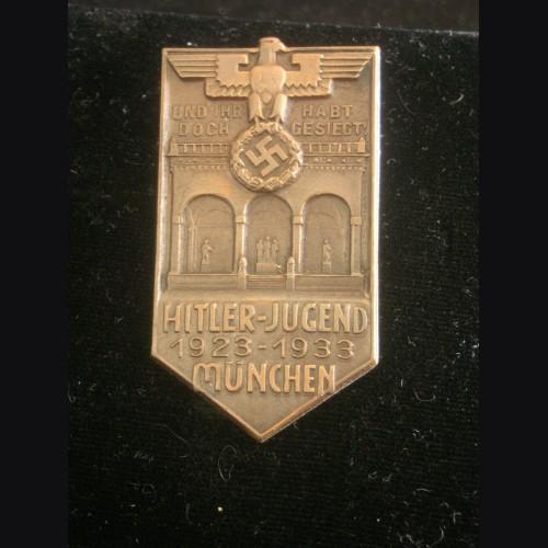 Hitler Jugend 1923-33 Badge # 3202