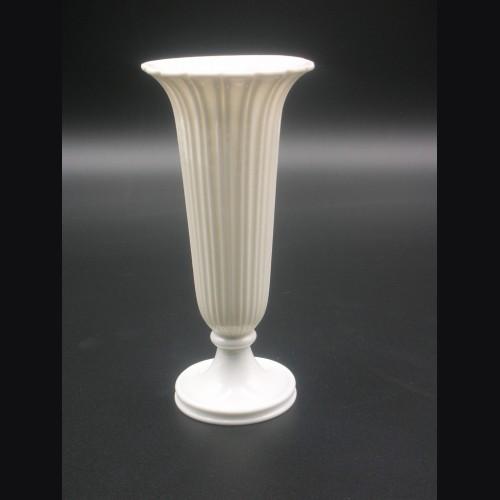 Allach Porcelain #519- Small Bud Vase # 3262