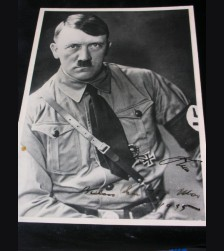 Adolf Hitler Signed Hoffmann Photo Card # 1058