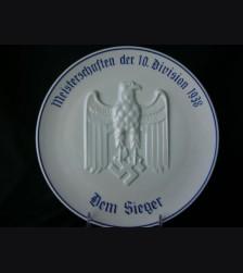 Dem Sieger Wall Plate ( Heinrich & Co. ) # 1122