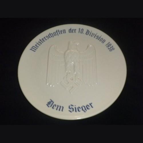 Dem Sieger Wehrmacht Award Plate ( Heinrich & Co. ) # 1220
