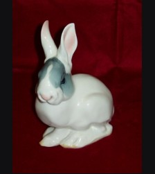 Model #61 Junger Hase/ Sitting Rabbit Allach # 438